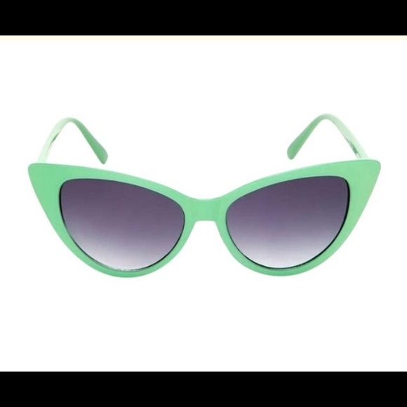 293208040f53 Steve Madden Mint Green Cat Eye Sunglasses NWT